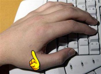 Amal_Graafstras_left_hand.jpg