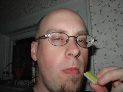 eating_green_kitkat.jpg