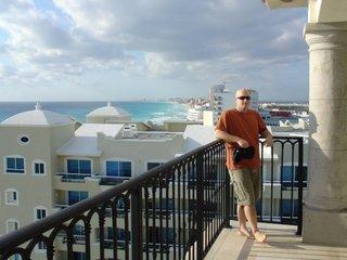 me_on_cancun_balcony.jpg